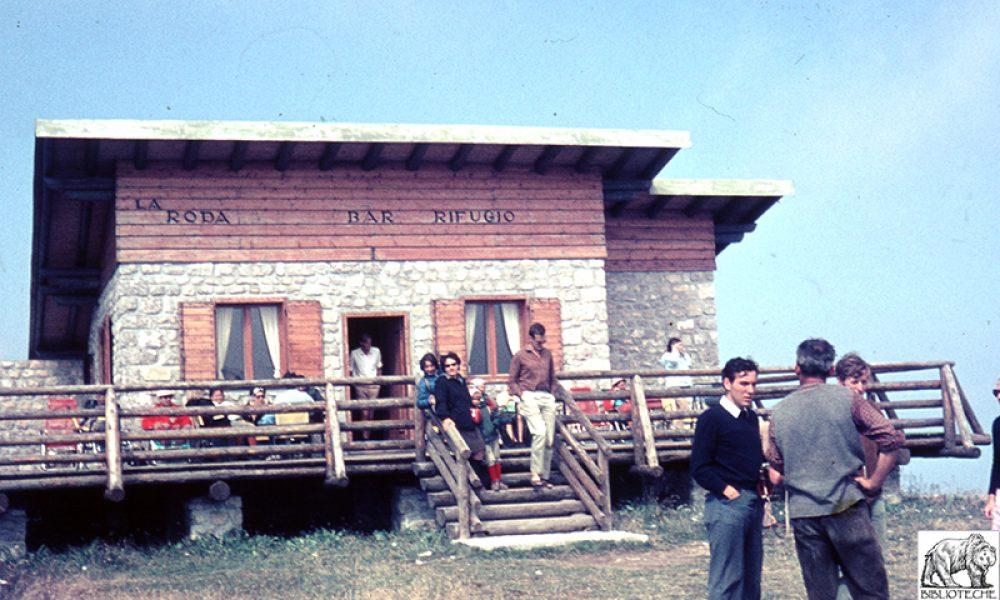 1970Una delle ultime foto del rifugio prima che nel dicembre 1989 andasse completamente bruciato.