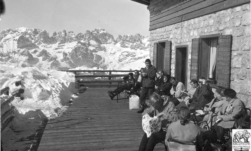 1960In the 60s the refuge was frequented by the few elegant tourists who spent their holidays in Andalo.